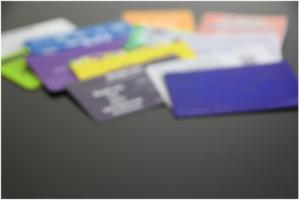 日本のポイントカードシステム:デパート、コンビニ、ドラッグストア