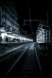¿Adónde ir si pierdes el último tren?