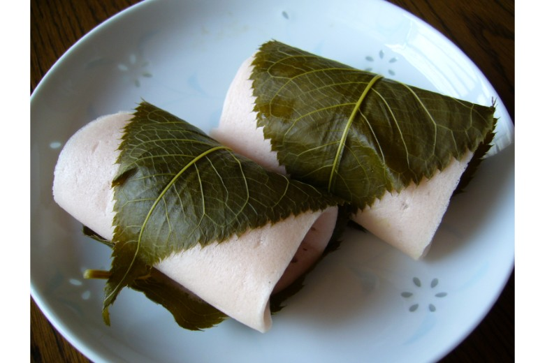 A taste of Japanese traditional rice cake mochi