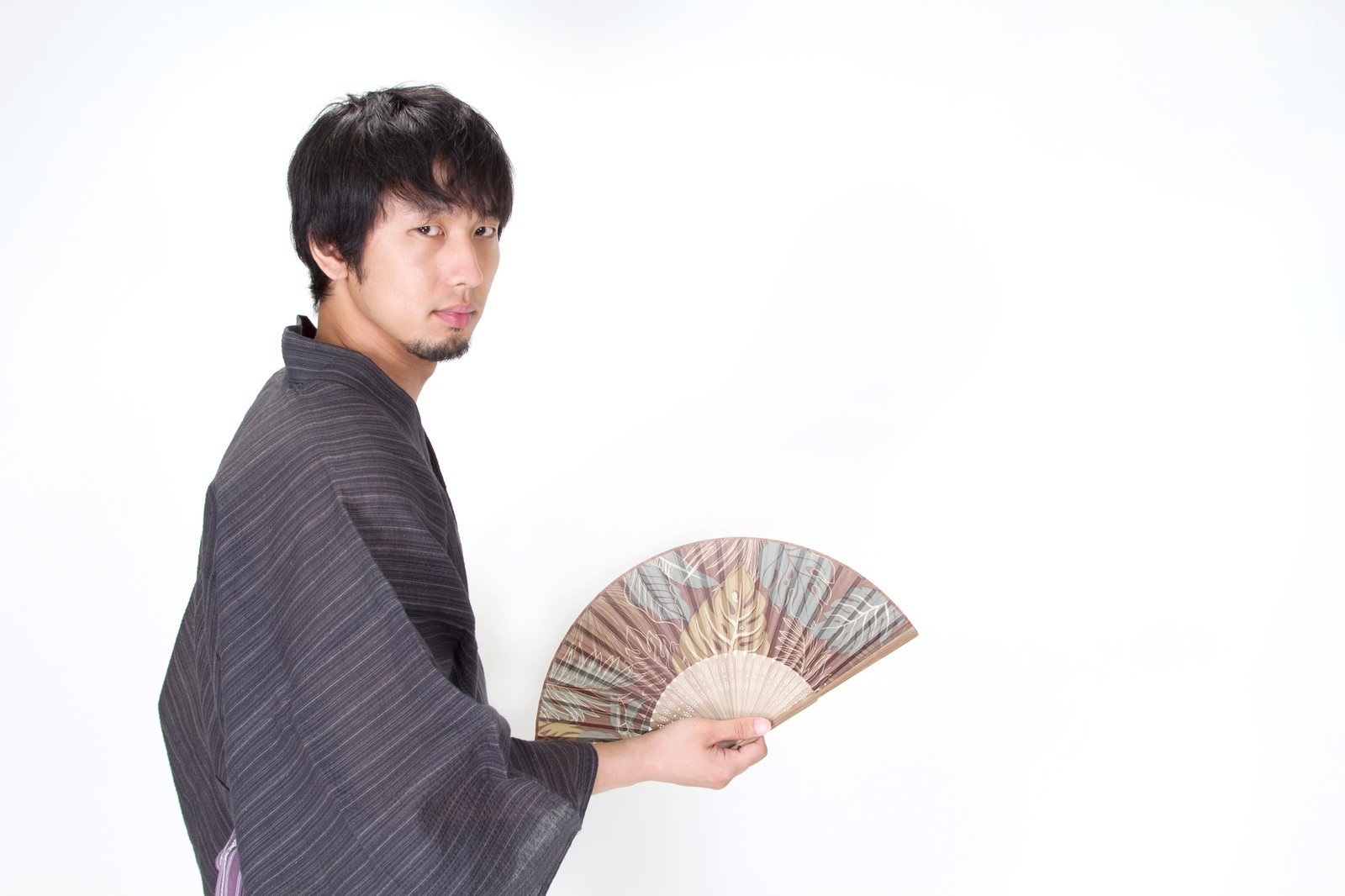 Traditional Patterns on Yukata and Accessories You Should Buy