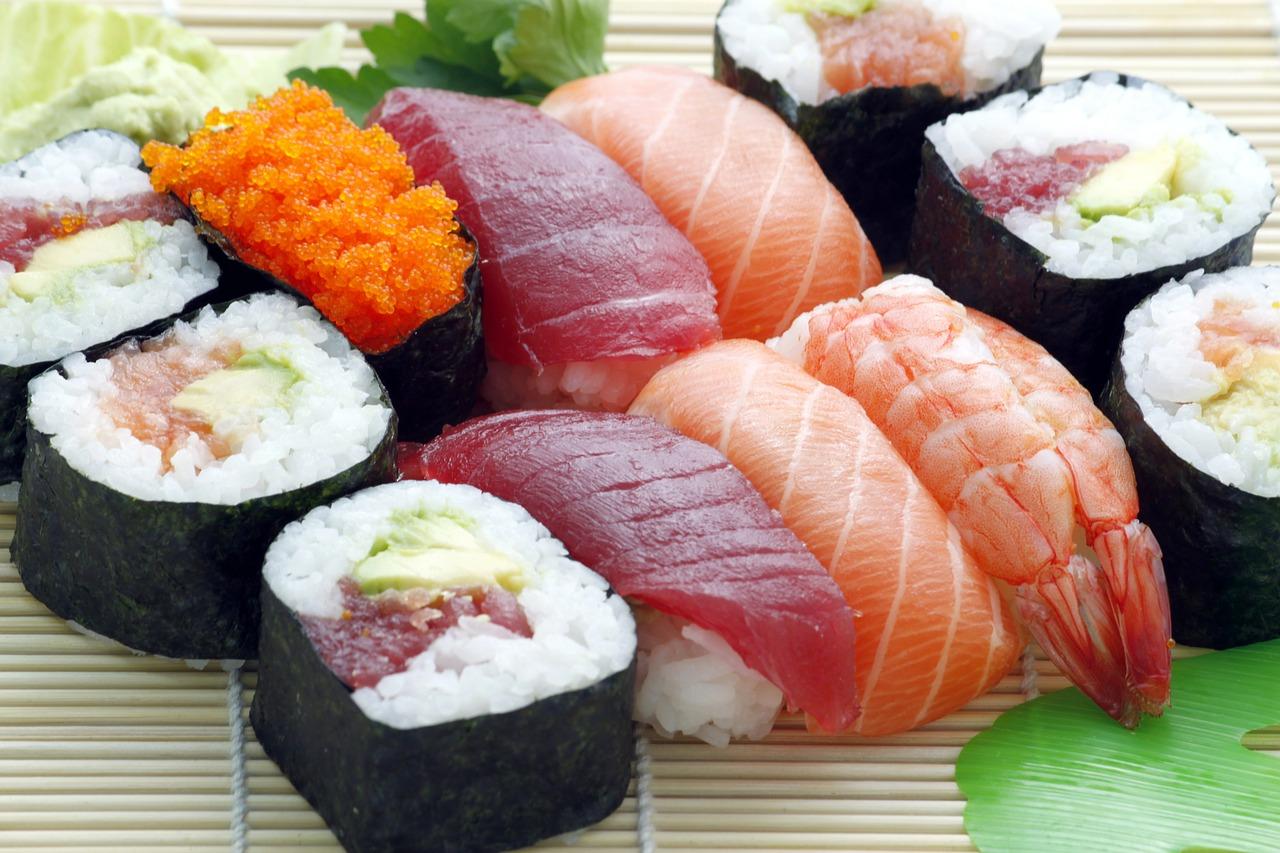 japanese raw food, sushi