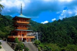 Top 13 Things to Know About Japanese Temples and Shrines