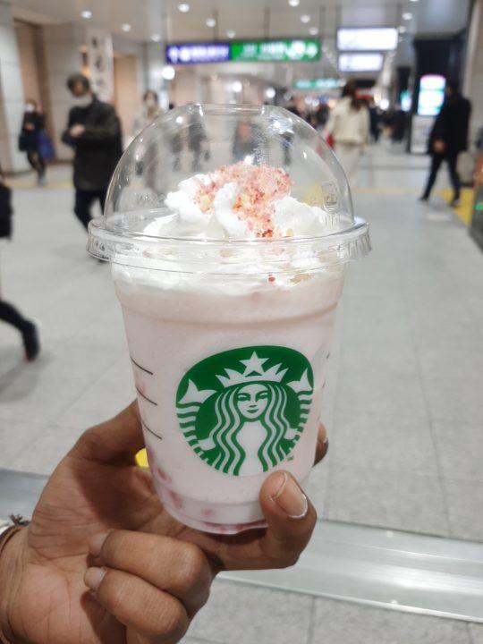 picture of Starbucks sakura berry Frappuccino