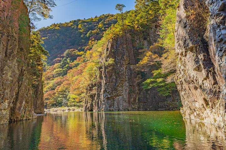 Autumn leaves Sandankyo Gorge (Hiroshima Prefecture, Chugoku Region)