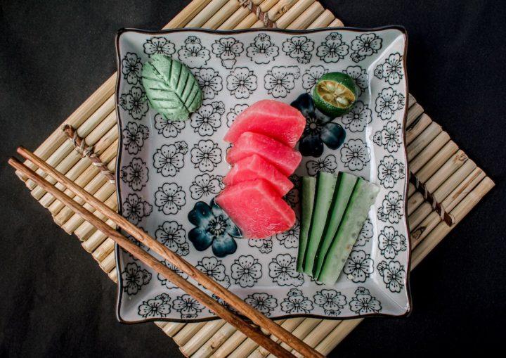 chicken sashimi vs basashi horse sashimi,